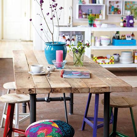 花瓣家居:享受美食从一张好的实木餐桌开始