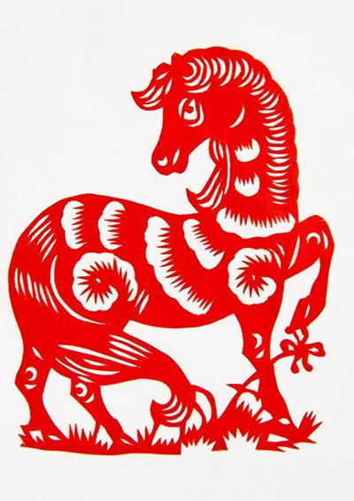 花瓣手工:马年剪纸贴窗花,红红火火过春节