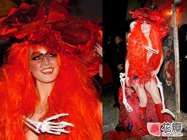 embedded_heidi_klum_halloween_2004_Red_Witch_costume_副本